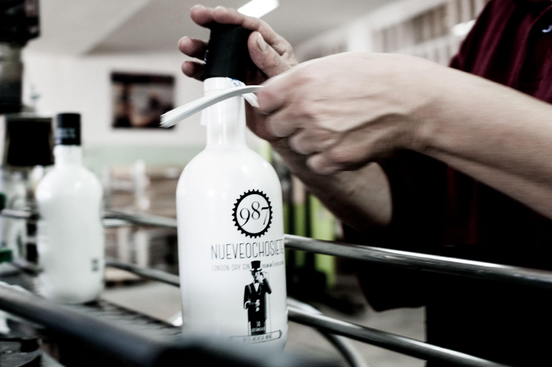 Imagen fabricación 987 Gin, por Daniela Morreale